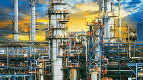 stub-ConstructSim_iSt_47958012_XL_exterior-structure-of-oil-refinery-plant-in-industry-estate